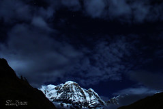~ Mt.Annapurna Beneath the Stars~ (Lenzmaan [ LiL Busy ]) Tags: nepal mt sony annapurna dscv1