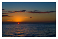 Atardecer en el mar (miguelangelortega) Tags: sunset sea topf25 mar nikon mediterráneo ltytr2 ltytr1 ltytr3 ltytr4 ltytr5 ltytr6 nikonflickraward blinkagain