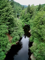 River Garry, seen from Garry Bridge upstream, Perth & Kinross, Scotland (caledoniafan) Tags: bridge trees plants tree green nature water forest river landscape scotland sand stream wasser stones hill natur pflanzen perthshire scenic glen steine valley grn brcke fluss landschaft wald bume 2009 strom baum tal schottland rivergarry hgel gebsch flowingwater perthandkinross malerisch bsche perthkinross garrybridge scotlandscountryside caledoniafan perthandkinross