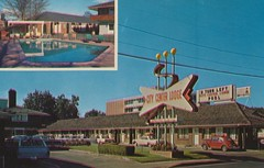 City Center Lodge - Eugene, Oregon (The Cardboard America Archives) Tags: oregon vintage blurry postcard motel lodge eugene citycenter aaa poolinset