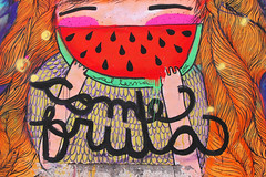 come fruta (alterna ) Tags: chile santiago color muro graffiti mujer mural sanjose fruta alimento verano come natalia boba fotografia nias mujeres naranja muralla pelo sandia 2012 alterna alternativa pepas superboba urbanmonk alternaboba