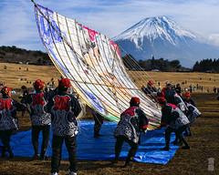 A large kite and Mt.Fuji (Blue Ridge Walker) Tags: winter japan fuji fujisan   mtfuji worldculturalheritage