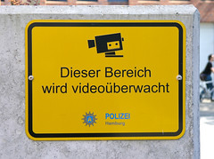 VW 1 (cmdpirx) Tags: sign warning george video cops hamburg cop 1984 orwell hh shield polizei kamera bnd stasi berwachung privat kontrolle warnzeichen videoberwachung polizeistaat intim sphre schergen