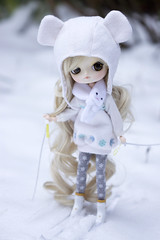 The ski lesson (Valrie Busymum) Tags: doll dal groove pullip rewigged dotori rechipped