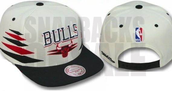 1d9bd977e98 NBA Mitchell  amp  Ness - Chicago Bulls Damond Snapback White Black  (Snapbacks2012) Tags