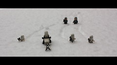 L'Empire (du froid) contre-attaque ! (philippe.ducloux) Tags: snow trooper france canon toy toys star starwars lego bokeh gimp wars jouet blaster hoth jouets snowtrooper cinemascope 450d canon450d strictlygeotagged