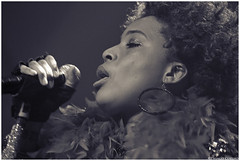 Macy Gray (Thiago Coelho Co.click) Tags: show brazil music brasil canon banda eos photo photographer tour live sopaulo stage band photojournalism cine soul 7d musica alive diva aovivo rb palco photojournalist 2014 cantora macygray joia lema cinejoia thiagocoelho coclick thiagocoelhofotogmailcom 983134392 wwwcoclickcombr thiagocoelho coclickoficial