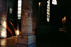 (Lous Rault Watanabe) Tags: paris church saint lights illumination contax t3 portra 160