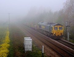 66-515-4G05-Allscott-6-5-2016 (D1021) Tags: fog shed telford pole signal sleepers departmental d300 walcot class66 freighliner sugarbeetfactory 66515 oilrapeseed nikond300 poleshot allscott 4g05 allscottsignalbox allscottsugarbeetfactory mj378