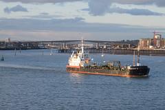 'Jaynee W' - Southampton (Neil Pulling) Tags: uk sea england seaside transport hampshire solent southampton shipping tanker southamptonwater jayneew