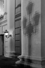 свет реальный и виртуальный (solar_is) Tags: city light blackandwhite bw monochrome 35mm nightshot theatre availablelight moscow d76 duotoned lightshadow buiding nikonf80 москва kodaktmax100 россия nocolor чб selfprocessing чернобелоефото fomafix аналоговоефото bwfp