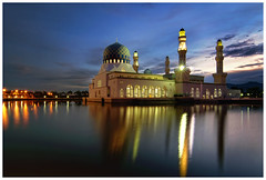 Kota Kinabalu City Mosque (Vin PSK) Tags: mosque malaysia sabah floatingmosque kotakinabaru citymosque
