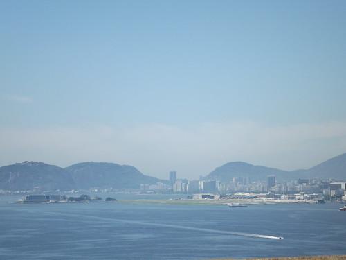 Aeroporto Santos Dumont visto da Ponte