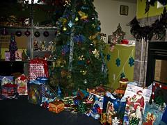 Mum's Christmas Tree (Lady Pandacat) Tags: christmas christmastree presents peacocks 2011 pandacat pandacatbaby tinaangel