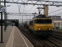 1615 met UC 61802 naar Kijfhoek (Bjarne Kosmeijer) Tags: eindhoven db cargo 1600 1800 uc dbs unit 1700 railion schenker kijfhoek