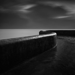 Snake (Andy Brown (mrbuk1)) Tags: longexposure light sky bw cloud seascape wet wall dark square mono blackwhite moody bend horizon fineart plymouth s highlights minimal line diagonal devon curve simple lowkey zonesystem nd110