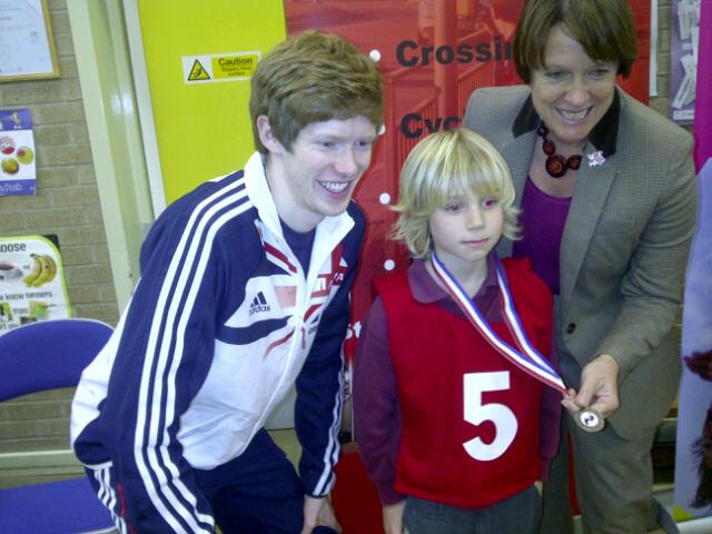 Caroline Spelman launches new walk to school scheme in Leeds