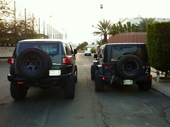 Jeep vs Fj (shine_on) Tags: car truck desert offroad 4x4 saudi arabia toyota jeddah suv fj landcruiser saudiarabia cruiser  lifted fj40 fjcruiser    bahra