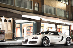 Pearl. (Alex Penfold) Tags: auto camera london cars alex sports car sport mobile canon photography eos photo cool flickr image awesome flash picture grand super spot exotic photograph arab gran spotted hyper bugatti supercar spotting exotica sportscar 2012 sportscars supercars veyron penfold gransport spotter althani grandsport hypercar 60d hypercars knightsbridhe alexpenfold