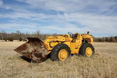 Euclid L30 (dbro1206) Tags: abandoned oklahoma bucket rusty machinery resting euclid loader hydraulic frontloader oldiron wheelloader