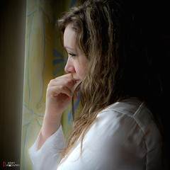 Catherine F.. (Didier-Lg) Tags: portrait woman girl beauty retrato charm teen catherine ritratto intimacy intimit