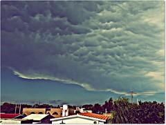 Se viene tormenta!! (priecheverria) Tags: clouds cielo nubes tormenta mammatus