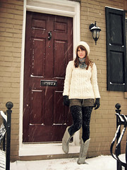 NY Fashion Lady in wool sweater outfit (Mytwist) Tags: wool sweater aran cabled woman lady jumper girl ny new york newyork outfit jersey snow winter fashion classig knitwear knit chunky