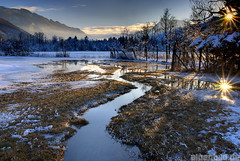 Sonnenuntergang am Bärnsee (alpenbild.de) Tags: winter sunset lake bayern bavaria see sonnenuntergang wiese moor bog hdr flooded kampenwand 巴伐利亚 chiemgau 50fav aschau 100fav 3exp überflutet bärnsee baernsee alpenbildde
