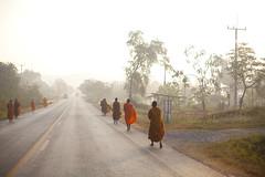 Thai Monks (siebe ) Tags: road morning feet thailand monk buddhism thai barefeet roadside voet alms