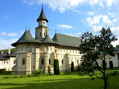 Putna church, Romania (Unesco world heritage) (Frans.Sellies) Tags: world heritage de la site unescoworldheritagesite unesco worldheritagesite list romania unescoworldheritage sites worldheritage weltkulturerbe whs roumanie humanidad patrimonio romnia roemenie worldheritagelist roumania welterbe kulturerbe romanya rumnien roemeni patrimoniodelahumanidad putna heritagesite unescowhs suceava romnia patrimoinemondial werelderfgoed vrldsarv  heritagelist  werelderfgoedlijst verdensarven wolrdheritagelist ph656     patriomoniodelahumanidad     patriomonio p1330436