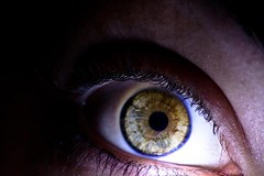 due palle dentro un occhio a palla. (FondamentalmenteMiki) Tags: eye canon eos io occhio autoscatto myeye myselfportrait iride i 400d copyrightmichelatarozzi miocchio