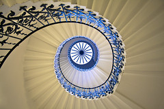 Queen's House Spiral (Jonathan.Russell) Tags: city family blue white house flower london glass architecture stairs canon circle lens spiral cream royal rail palace queens kit mm 18 55 buckingham 40d