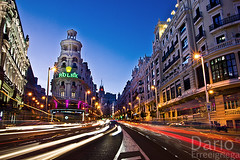 Gran Via (Deaerreio) Tags: madrid street city urban espaa cars architecture night buildings lights luces noche photo spain arquitectura edificios long exposure foto sony ciudad via rey nocturna urbana gran garcia fotografia alpha coches urbanismo exposicion larga dario 550 erre pohotography erreeigriega eigriega geaerreceia