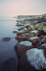 vstra hamnen (Andreas Lf) Tags: sea sky cloud white ice water rocks long exposure sweden 10 tripod gray shoreline overcast stop le pro remote scandinavia viewpoint malm hitech silky bo01 ndfilter vstra hamnen sonyalpha slta77