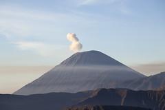 IMG_4263 (Marc Aurel) Tags: indonesia volcano java caldera jawa indonesien vulkan weddingtrip stratovolcano hochzeitsreise mountbromo eastjava gunungbromo tenggermassif bromotenggersemerunationalpark tenggercaldera stratovulkan 5dmarkii compositevolcano eos5dmarkii schichtvulkan ostjava nationalparkbromotenggersemeru bromotenggermassiv