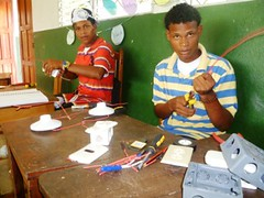 Education for Success Short Vocational Courses 2012: Domestic Electricity 22 (FADCANIC) Tags: nicaragua williamscollege lagunadeperlas saih unanleón fadcanic pearllagoonacademyofexcellence indigenousandafrodescendents