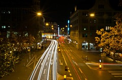 uraniastrasse / bahnhofstrasse zurich, switzerland by night (Matti_T) Tags: cars by night lights schweiz switzerland noche nikon long exposure nacht zurich zurique zrich svizzera sveits bahnhofstrasse urania switserland sviss  sussa sternwarte zwitserland sveitsi isvire zurigo    szwajcaria   curych zurych vcarsko s  veits   uraniastrasse thy      vajiarsko d5100 vajcarska   suza uswisi zrichi    zric  srixd