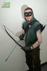 IMG_0667 (Neil Keogh Photography) Tags: black male green comics dc pants mask top jacket gloves hero hood cosplayer dccomics armour merc mercenary greenarrow bowarrow salfordcomiccon2016
