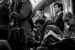 Ambiance Ligne 1 (Nikan Likan) Tags: street white black paris zeiss 35mm vintage subway lens t photography prime metro mount carl manual f56 f28 | distagon 2016 contaxyashica