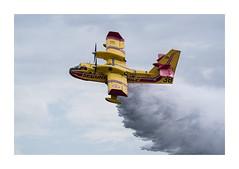 Canadair (Tnio) Tags: flying spirit lac meeting airshow ciel nuage deau bombardier canadair arien civile voltige scurit biscarrosse fum larguage