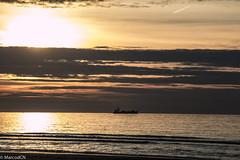 De Panne-9 (marco_dcn) Tags: sunset de soleil coucher panne
