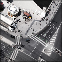 crossings (fotobananas) Tags: street paris pen crossing traffic roundabout vertigo olympus carrefour zebra merrygoround kreuzung arielview ep1 fotobananas