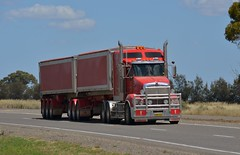 Armitage T609 (quarterdeck888) Tags: nikon highway flickr transport trucks armitage kenworth haulage quarterdeck newellhighway bdouble t609 armytage jerilderietrucks
