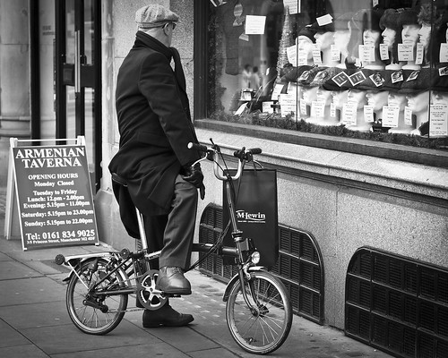 in style (Andre Delhaye) street uk england white black manchester blackwhite photographer olympus andre olympuspen 45mm bwphotography 43 ep3 blackandwhitephotography m43 mft blackandwhitephotographs blackandwhitephotographer micro43 microfourthirds 45mm18 43 andredelhayecom olympusdigitalpen blackandwhitephotographypictures blackandwhitephotographers wwwandredelhayecom wwwandredelhayenet andredelhayenet olympusep3 andredelhayephotographer olympusm45mmf18 olympus45mm18
