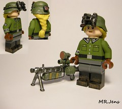 Nachtjgerin/Night hunter LEGO (MR. Jens) Tags: anime girl lego random wwii manga ish ww2 vampir mg42