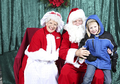 3  - Santa & Mrs. Claus at Tree of Hope 2011