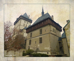 The Castle of the Treasure (Maria-Flor) Tags: autumn castle treasure czech chapel praga medieval castelo crown jewels bohemia coroa outono hrad gotic capela karltejn gtico repblicacheca charlesiv jias tesouro ceskrepublika gotick mygearandme mariantower karlemiv
