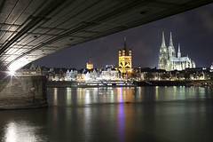 Cologne Panorama (Sven T.) Tags: nightphotography night canon germany deutschland nightlights nightshot cologne kln rhine rhein tyskland nachtfotografie nachts deutzerbrcke eos5d deutzerbridge sigmaaf28105284