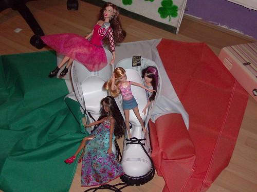 ireland white stacie dolls sassy barbie skipper artsy mattel irishflag birthdaypresent 15hole steeltoeboots hollywooddivas fahionistas steelboots barbiesiters skateboardingsisters