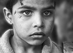 india rajasthan (peo pea) Tags: portrait blackandwhite bw india smile bn sorriso ritratto jaipur bianconero tar rajasthan deserto vecchio rajsthan bambino espressivo
